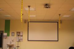 1-Präsentation mit Beamer und Leinwand